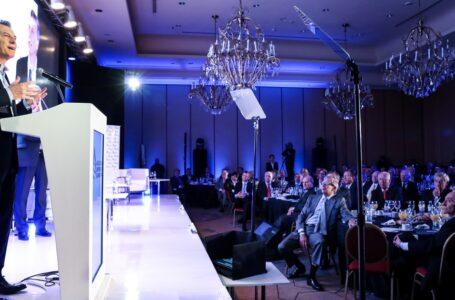 Macri exculpó a los empresarios coimeros y les ofreció contención política