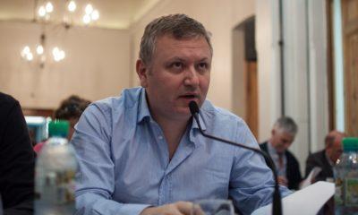 El concejal José Lepere denunció que el Secretario de Políticas Universitarias de Cambiemos, Pablo Domenichini fue nombrado rector de la Universidad Nacional Guillermo Brown