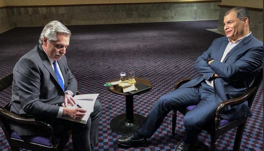 """Rafael Correa entrevistó a Alberto Fernández: """"Argentina no puede pagar la deuda en las condiciones en las que está la economía"""""""