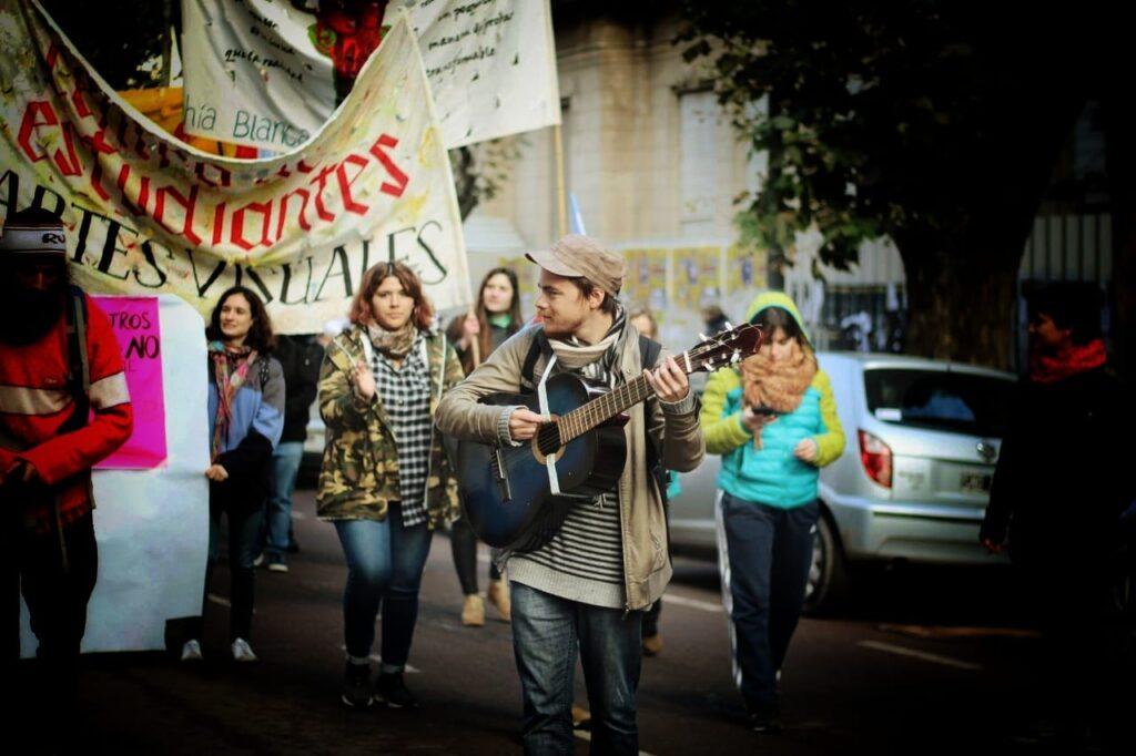 Entrevista reportaje con Jonathan Machuca, estudiante detenido por protestar por el Boleto Estudiantil Gratuito en Bahía Blanca