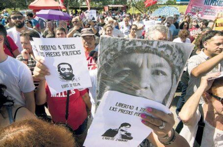"""Convocan a marchar a Comodoro Py """"por una Navidad de presos políticos"""""""