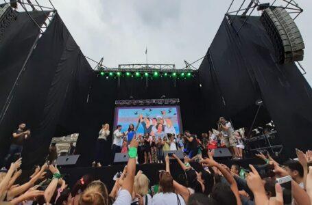 Kicillof participó del cierre de #8M Mujeres bonaerenses haciendo historia junto a Magario y Díaz