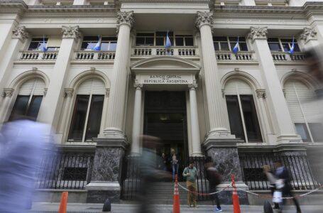 El Banco Central ofrecerá créditos blandos para garantizar el pago de salarios