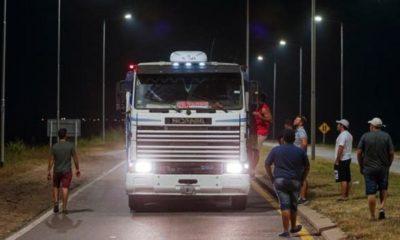 agro piquete allanamiento detención camiones granos