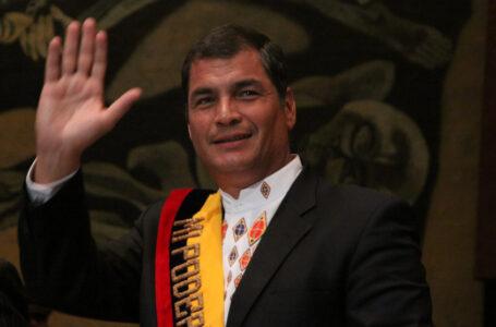 """Rafael Correa sobre su proscripción: """"quieren ganar el partido sin la presentación del otro equipo"""""""