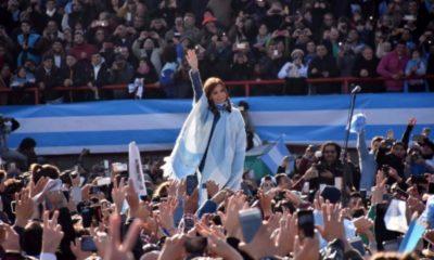 cristina unidad ciudadana arsenal sarandi dia bandera
