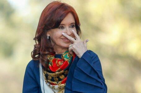 Cristina difundió un comunicado del PJ que denuncia autoallanamiento por parte de Macri