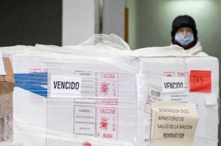 Denunciarán a Adolfo Rubinstein luego del hallazgo de millones de vacunas vencidas