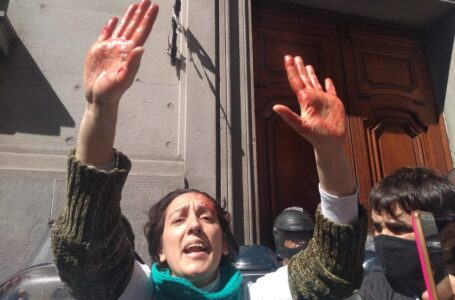 Policía de la Ciudad reprimió a enfermeros que movilizaron a la Legislatura porteña