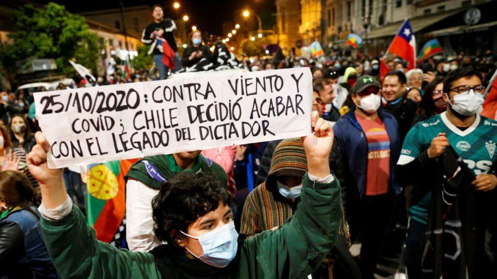 El pueblo chileno entierra la Constitución pinochetista