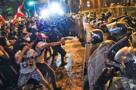 Perú: sin presidente, se exacerba la crisis política