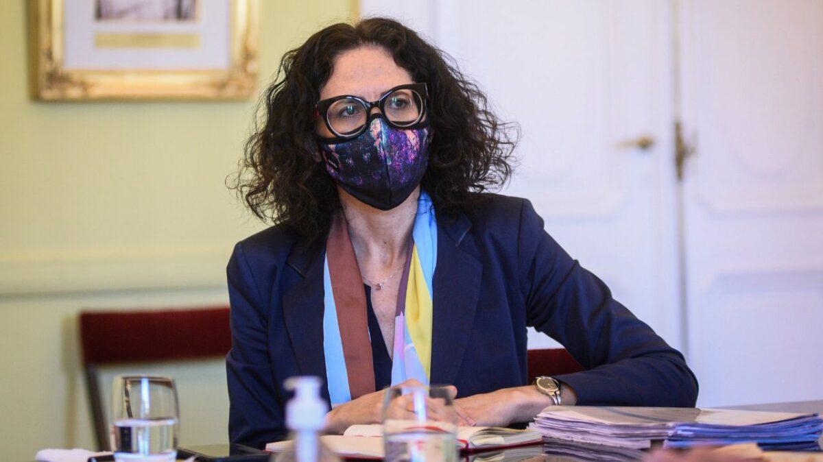 """Cecilia Todesca sugirió aumentar las retenciones y generó """"alarma"""" en """"el campo"""""""