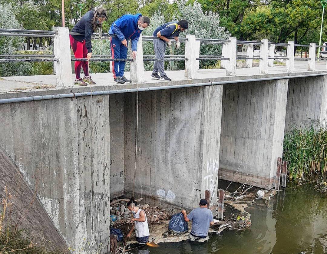 Limpieza del Parque de Mayo: voluntarios desmienten participación activa del Municipio