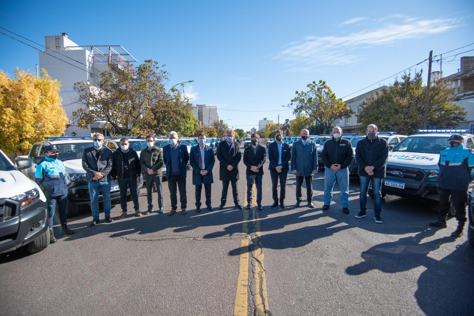 Axel Kicillof entregó 72 patrulleros para Bahía Blanca y la zona