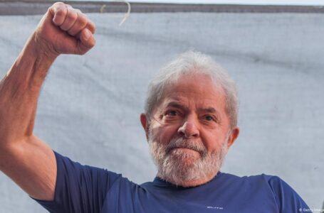 """Brasil: Lula confirmó que será candidato a presidente """"si es el favorito para ganarlas"""""""